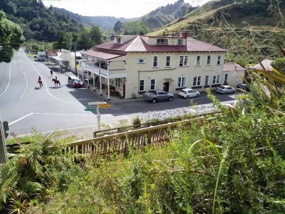 whanga hotel
